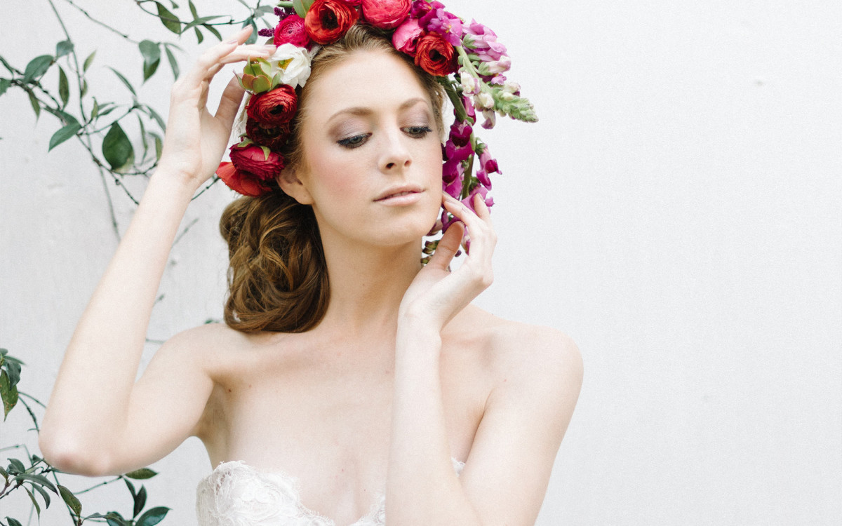 BOLD FLORALS STYLED SHOOT